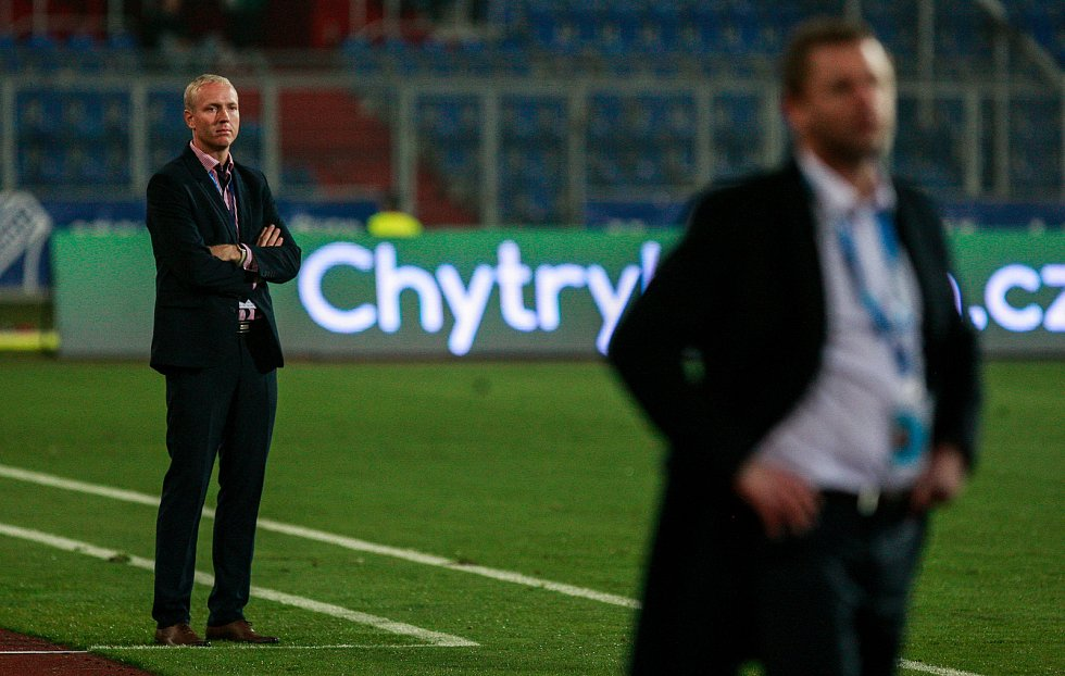 vlevo trenér sigmy Václav Jílek