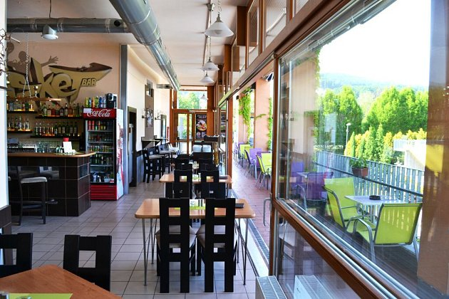 2. Restaurace Basket Bar