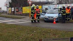 Tak skončil osobák po srážce s hasičským autem na Pražské ulici v Olomouci