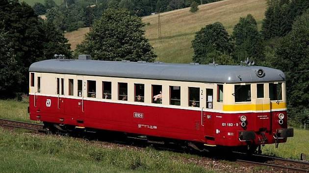 Motorový vlak. Ilustrační foto
