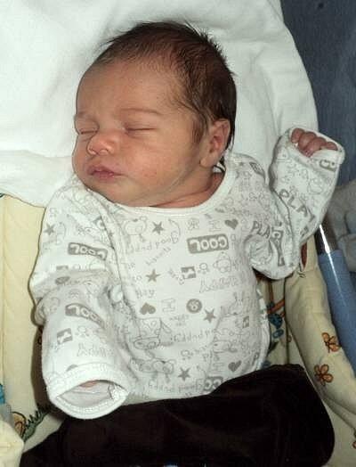 Libor Čamek, Litovel, narozen 11. ledna ve Šternberku, míra 48 cm, váha 3150 g