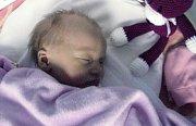 Kamila Fukalová, Přerov, narozena 23. října v Olomouci, míra 49 cm, váha 3190 g