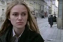 Screen z filmu Doktor Živago. Třída 1. máje