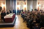 Prezident Zeman debatuje s Přerovany v Městském domě