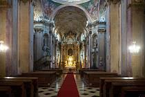 Interiér baziliky Navštívení Panny Marie na Svatém Kopečku v září 2018