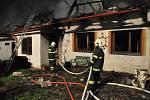 Požár rodinného domu ve Štítech, 16. 4. 2014