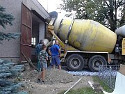 Dobrovolní hasiči v Hradečné: stavba zbrojnice
