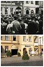 """Průchod 1968. """"Pomoc"""" nepotřebujeme. 21. sprna 1968 o půl desáté ráno se vtichosti začala odehrávat demonstrace proti okupaci země."""