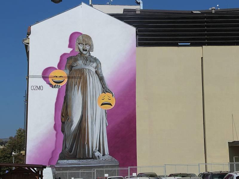 Melpomené, autor Ozmo, tř. Svobody, Moravské divadlo. Street art v Olomouci