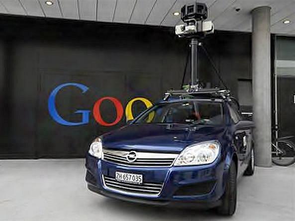 Auto s kamerou pro snímání měst
