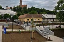Nově zrekonstruované náměstí v Bouzově