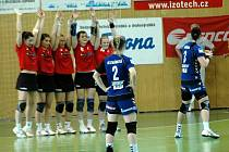 Házenkářky Slavie vyhrály v Olomouci 36:33 po druhém prodloužení a postoupily do finále play off.