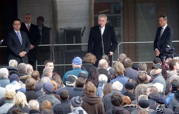 Setkání prezidenta sobčany před olomouckou radnicí