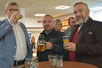 Koalice SPOLU sledovala výsledky voleb v olomouckém hotelu Flora. 9. října 2021