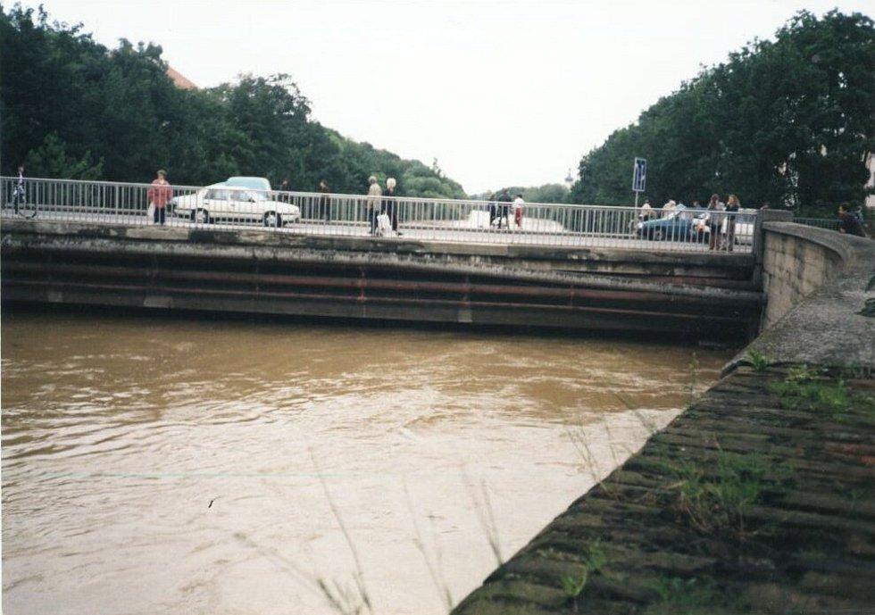 Dopoledne před noční záplavou