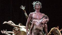 Michal Štípa v Timeless (Svěcení jara), Balet Národního divadla v Praze. S Nikolou Márovou