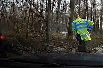 Pronsáledování zdrogovaného řidiče v Litovelském Pomoraví