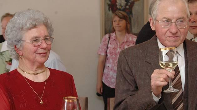 Alžběta a Jan Brenkusovi z Ondrášova u Moravského Berouna oslavili šedesát let společného života.