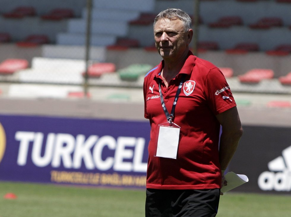 Trenér fotbalové reprezentace amatérských fotbalistů z Olomouckého kraje Karel Trnečka