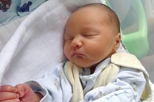 Lukáš Kryl, Olomouc narozen 30. listopadu míra 48cm, váha 2590 g