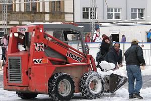 Odklízení sněhu na Horním náměstí