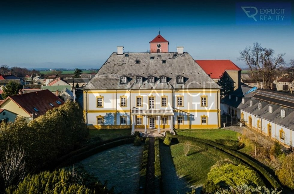 Zámek v Hnojicích na Olomoucku je nyní na prodej za 18,5 milionu korun