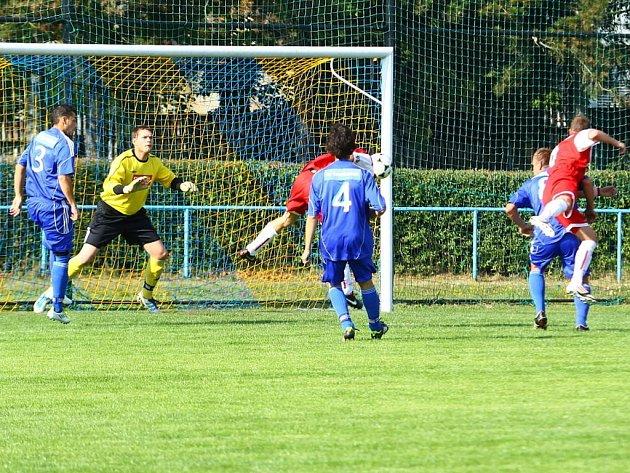 FK Šternberk (v modrém). Ilustrační foto