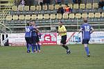 Fotbalisté 1. HFK Olomouc (v bílém) remizovali na domácím hřišti v Holici s Přerovem 2:2.