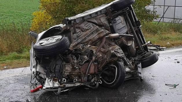 Vážná srážka dvou aut u Velké Bystřice
