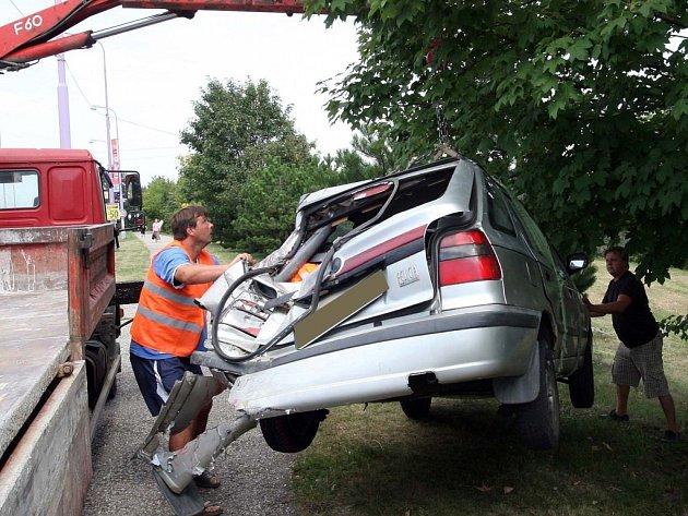 Nehoda kamionu a osobního auta na křižovatce ulic Hraniční a Brněnská v Olomouci