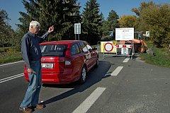 Uzavírka na Chomoutov mnohé řidiče překvapila.