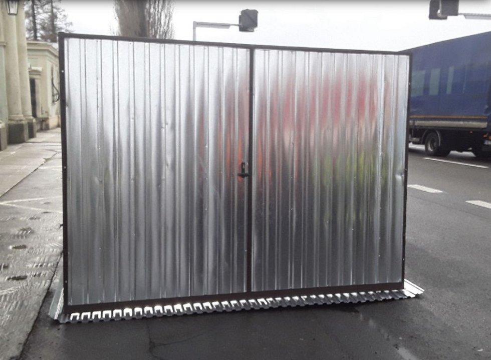 Posunutá garáž v Prostějově.Následky silného větru v Olomouckém kraji, 4.2. 2020