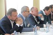 Zleva: Marian jurečka (KDU-ČSL), Roman Váňa (ČSSD), Ladislav Okleštěk (ANO), Josef Nekl (KSČM). Debata Deníku s lídry politických stran v salonku Městského domu v Přerově