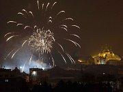 Novoroční ohňostroj nad Olomoucí