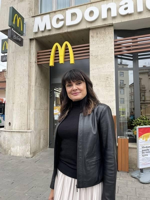 Kamila Kleiblová, jedna z nejúspěšnějších franšízantek McDonald´s - v jedné ze svých provozoven v centru Olomouce