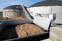 Zemědělské družstvo v Bohuňovicích  vyrábí elektřinu z kukuřičné siláže.