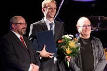 Cena za výjimečný počin roku v oblasti hudby - Festival Džemfest 2013 v Šumperku- Cenu z rukou Petra Jandy a Víta Rozehnala přebral Ondřej Polák
