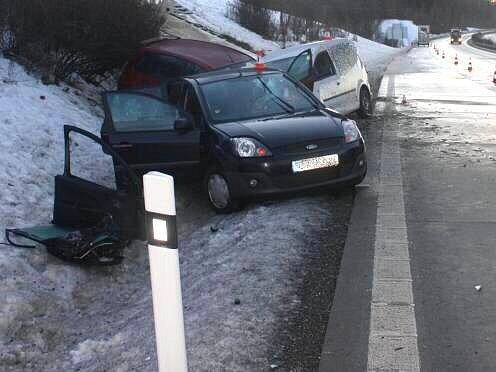 Nehoda několika aut na R35 u Velkého Újezdu