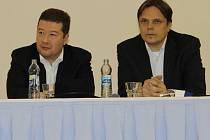 Senátor Tomio Okamura a ekonom Pavel Kohout