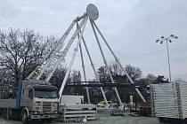 V Olomouci vyrůstá vyhlídkové kolo. Větší než vloni, 22. listopadu 2020