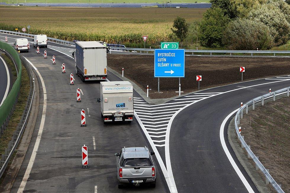 Modernizovaná dálniční křižovatka na D46 u Olšan u Prostějova