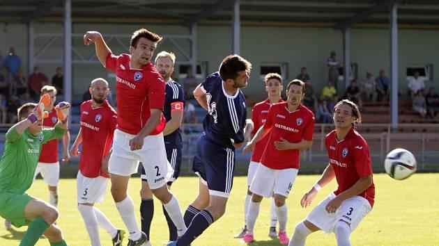 MFK Vítkovice (v červeném). Ilustrační foto