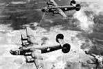 Americké bombardéry Consolidated B-24 Liberator. Tento typ se dostal do palby německých stíhaček ve velké bitvě nad Hanou ke konci 2. sv. války