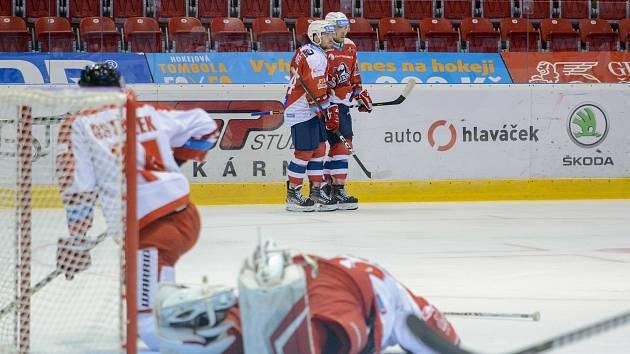 Olomoučtí hokejisté v posledním kole skupiny C Generali Česká Cupu podlehli doma Pardubicím vysoko 1:5.