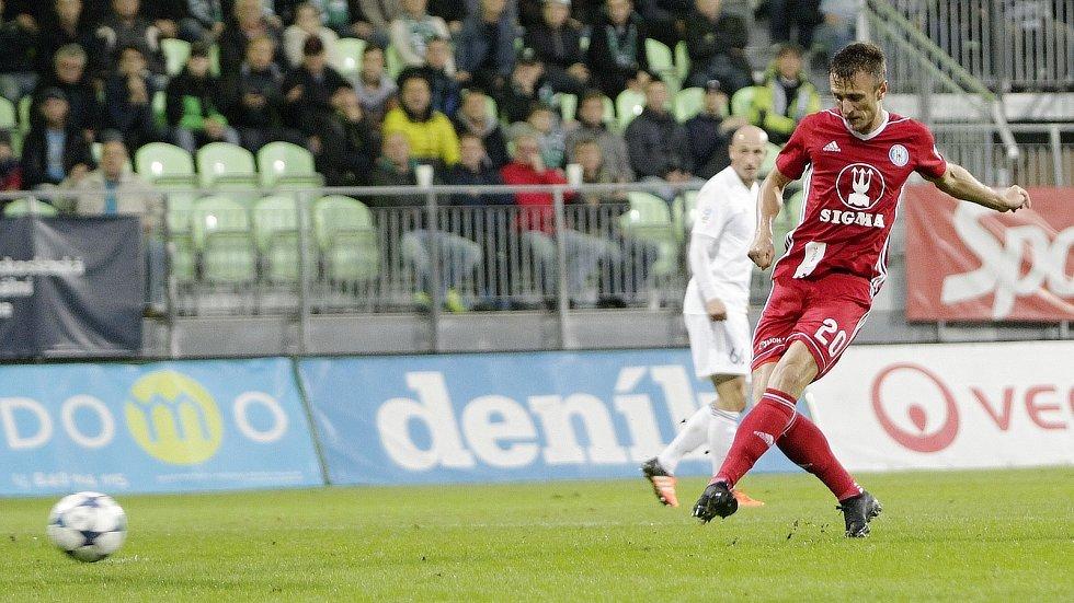 Šimon Falta dává gól