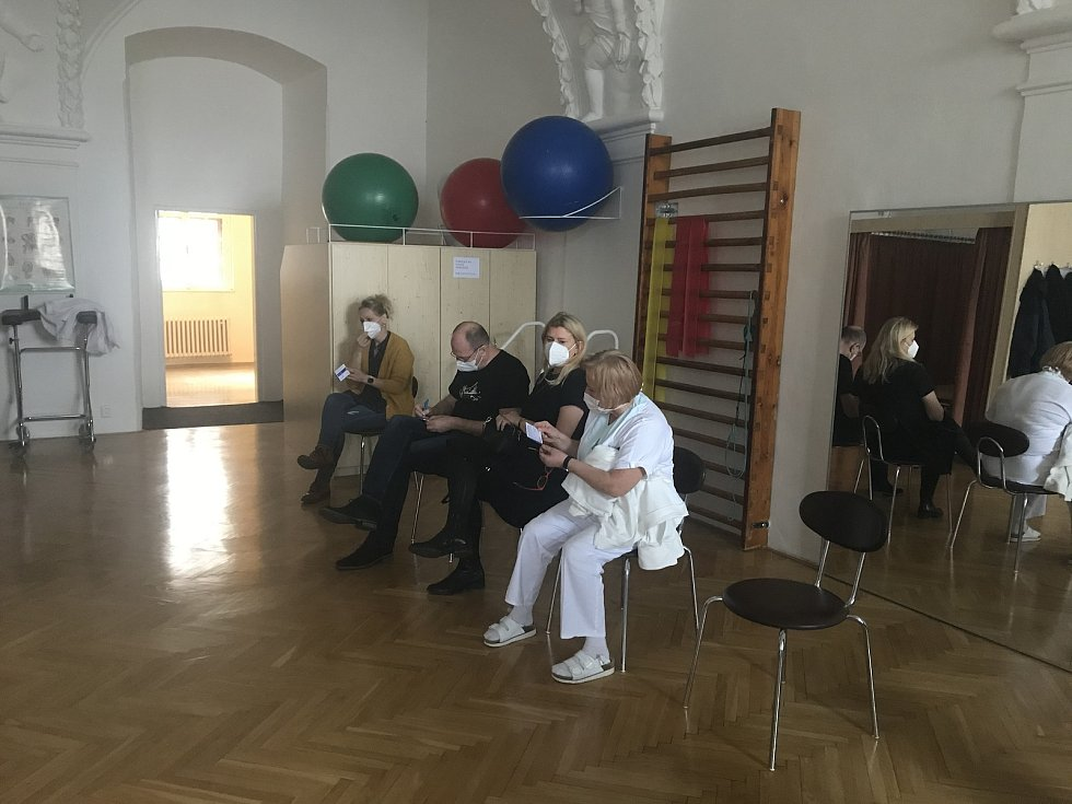 Vojenská nemocnice Olomouc zahájila očkování proti Covid-19, 31. prosince 2020