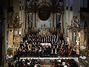 Dvořákovo Requiem pod taktovkou dirigenta Jaromíra Michaela Krygla zakončilo dvacátý Podzimní festival duchovní hudby v chrámu Panny Marie Sněžné v Olomouci