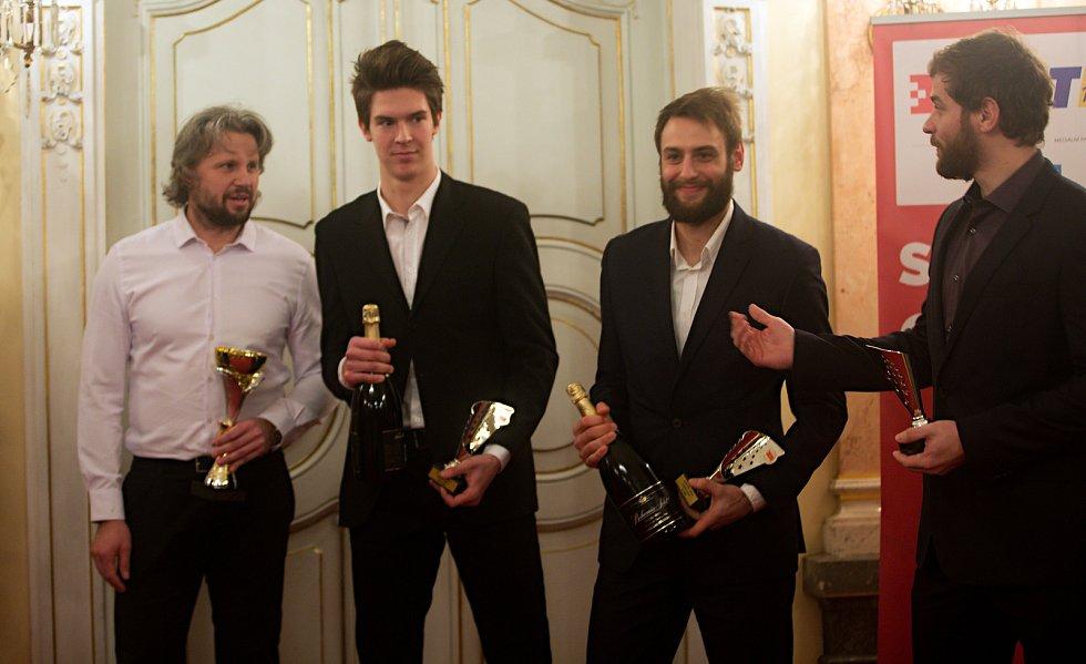 Členové HC Olomouc, druhé místo v kategorii kolektivy dospělí