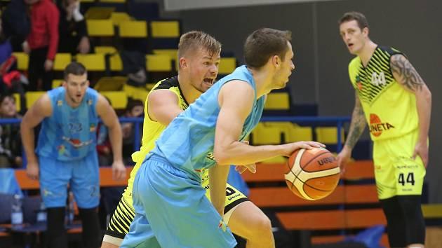Basketbalové utkání mezi Ústím a Olomouckem.