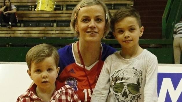 Jana Napolitano Šenková se syny Riccardem a Marcem.